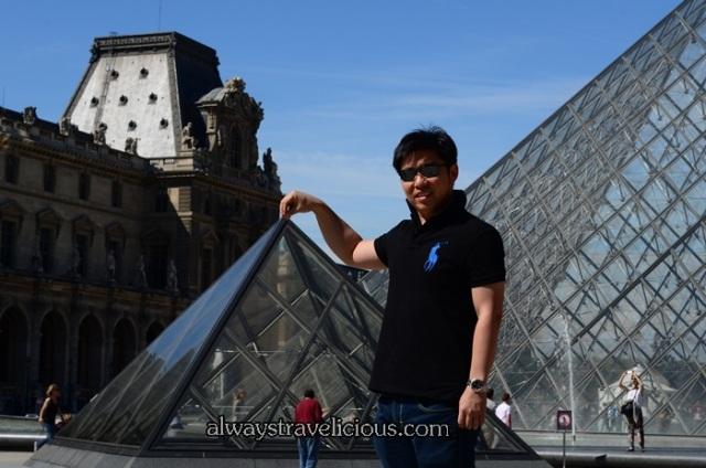 Pyramids @ the Louvre Paris 3
