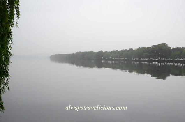 Su Causeway West Lake